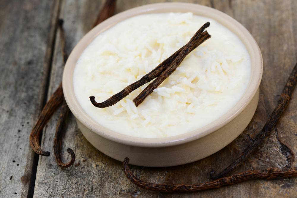 MILCHREIS   Versüßen Sie Ihren Milchreis obenauf mit einem Hauch BACKOFEN Zuckerle oder geben Sie ein paar Löffelchen in die Milch zum Kochen.