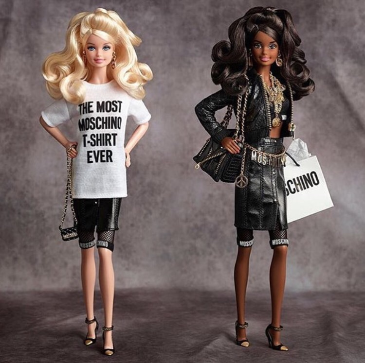 コモスクエア HoodieDress フーディードレス KiTARA トレンド おしゃれ 豊田市 セレクトショップ インポートブランド モスキーノ  バービー Moschino Barbie