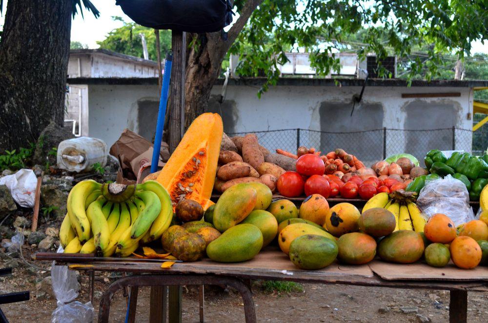 jamaican fruit market.JPG
