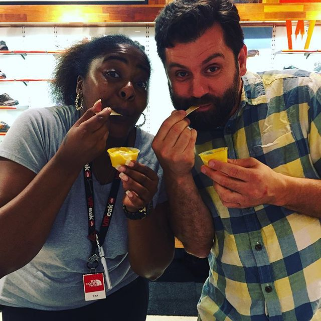 The @official_northface_company Mappy Hour w/ @rawonwheels. The More Than Mango Pudding samples win over tastebuds every time. Hello Kya and Erhan! #realpeoplerawfoods #UrbanVeganRealness  #rawonwheels