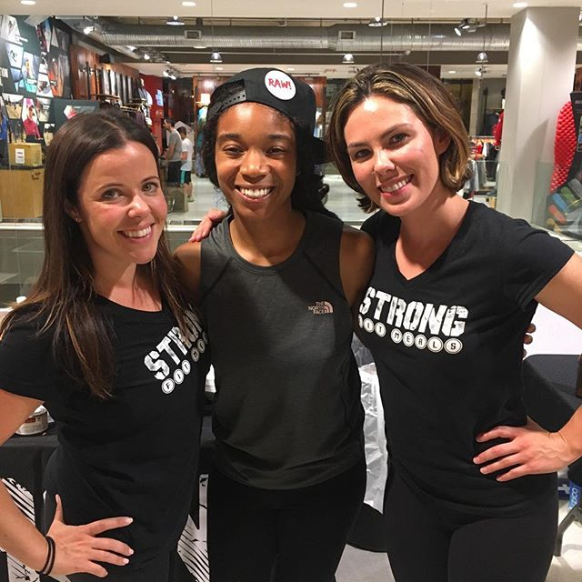 Hello @strongfitmeals! We loved hanging with Lilly and Shay at the @official_northface_company #MappyHour #SupportLocalDeliveryServices #UrbanVeganRealness #rawonwheels