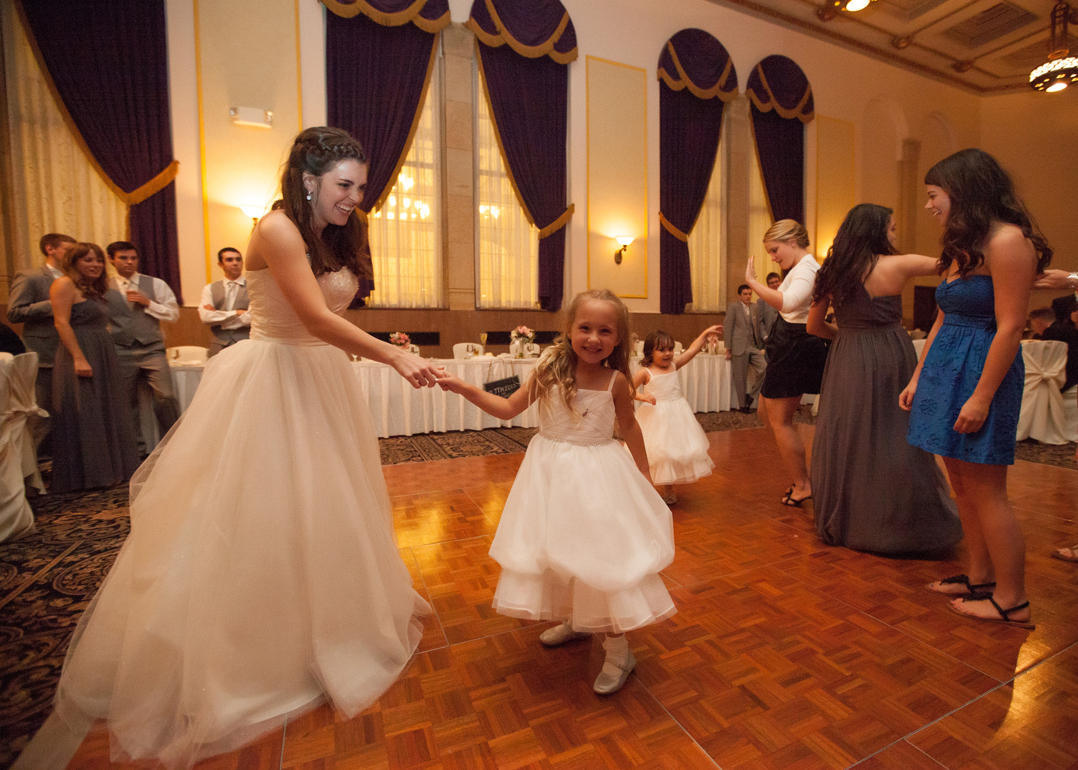 UofM_weddings_hull_melanie_reyes_069