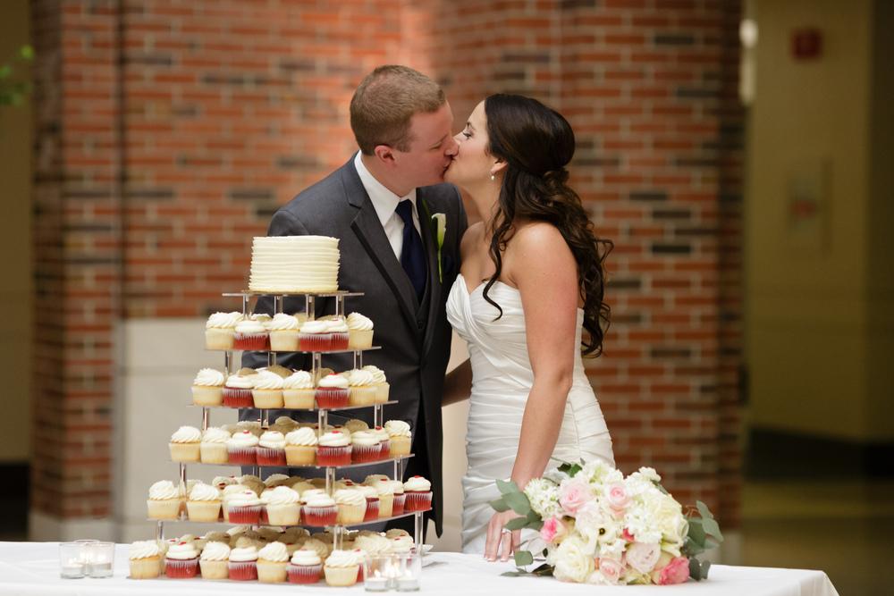 053_detroit_rattlesnake_club_wedding.JPG