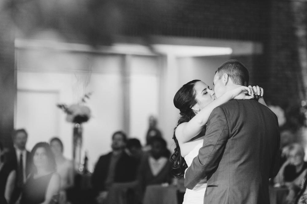 061_detroit_rattlesnake_club_wedding.JPG