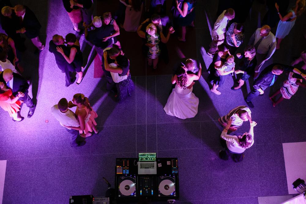 062_detroit_rattlesnake_club_wedding.JPG
