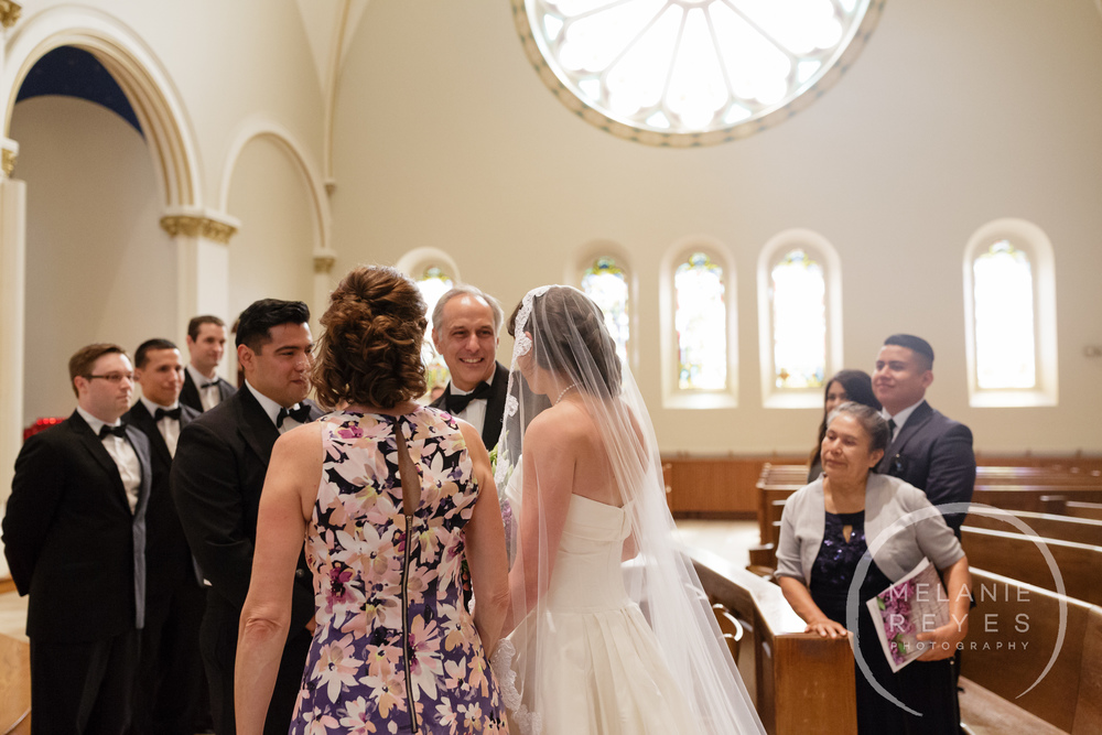 stthomas)gandydancer_wedding_melaniereyes_-31.jpg