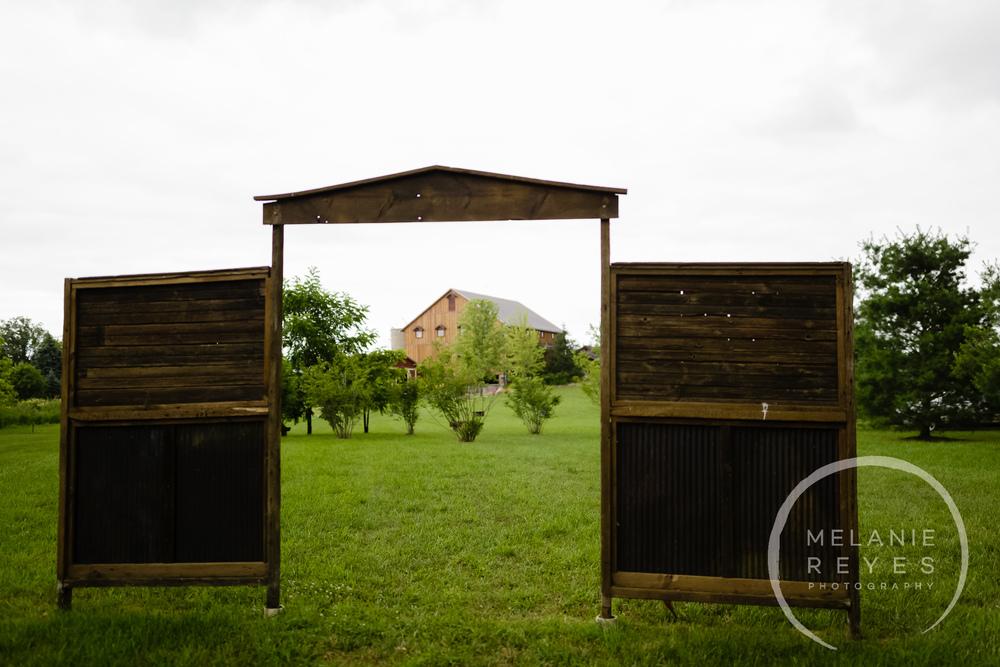melaniereyesphotography_fruitg_farm_Misty-farm_wedding-2.jpg