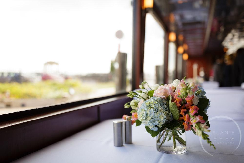 infinity_ovation_yacht_wedding_detroit_melaniereyes10.jpg