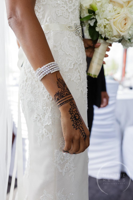 infinity_ovation_yacht_wedding_detroit_melaniereyes13.jpg