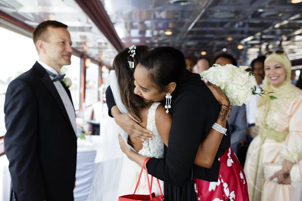 infinity_ovation_yacht_wedding_detroit_melaniereyes14.jpg
