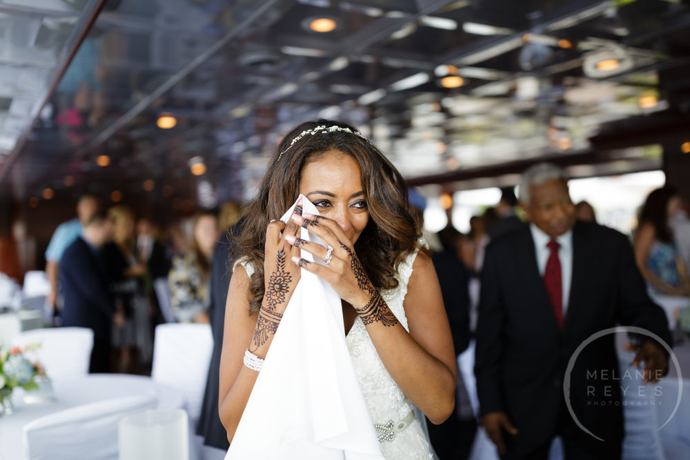 infinity_ovation_yacht_wedding_detroit_melaniereyes17.jpg