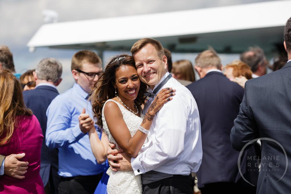 infinity_ovation_yacht_wedding_detroit_melaniereyes55.jpg