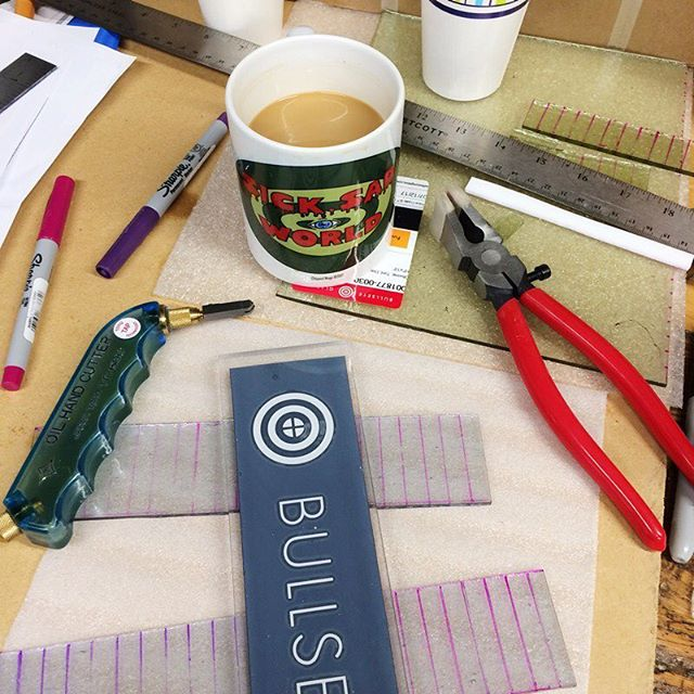 Morning  #studiolife #fusedglass #coffee #daria #makersgonnamake #repetition #precision #goodmorning #studioview #process