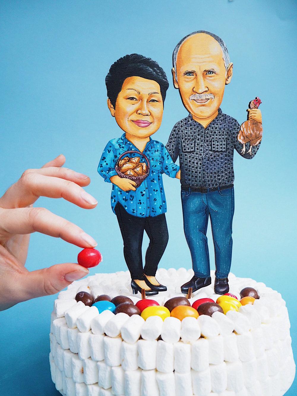 Топперы в торт - А еще мы делаем крутые фигурки в торт. Реалистичные, легкие и смешные! Украсьте им свадебный торт или торт на день рождения, а после - используйте как магнит.