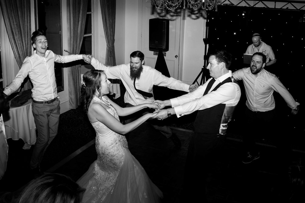 NLPhotography_Taplow_House-Wedding_Photographer_Emily&Alan_BnW-643.jpg