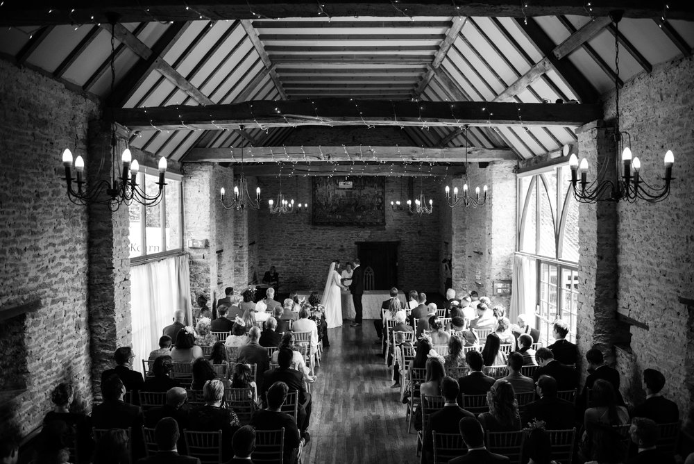 The_Great_Barn_Aynho_Nick_Labrum_Photography_Laura&Chris_bnw-284.jpg