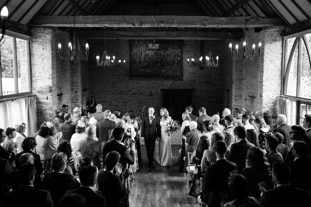 The_Great_Barn_Aynho_Nick_Labrum_Photography_Laura&Chris_bnw-334.jpg
