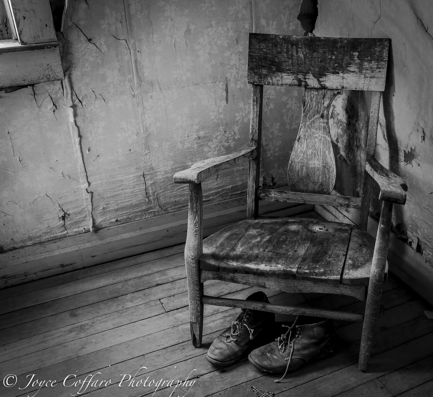 Black and white chair photography - Prev Next