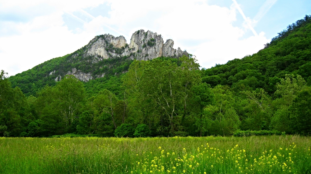 Seneca Rocks in the springtime