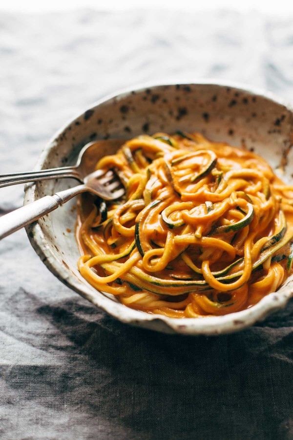 Creamy Garlic Roasted Red Pepper Pasta