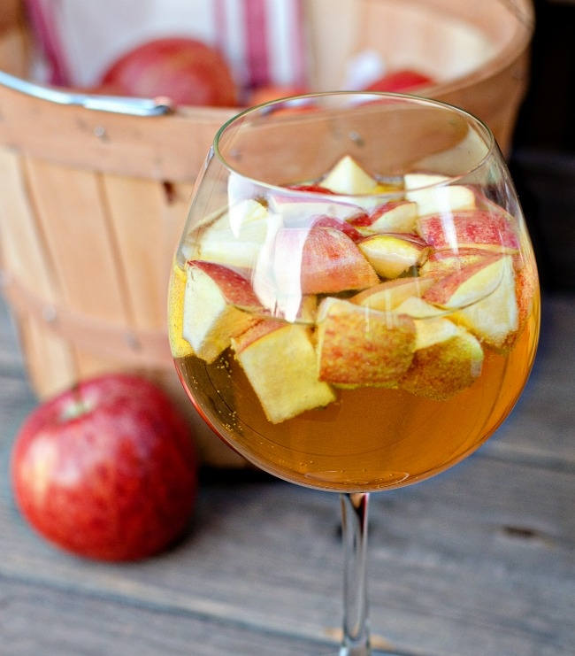 Caramel-Apple-Sangria-3.jpg
