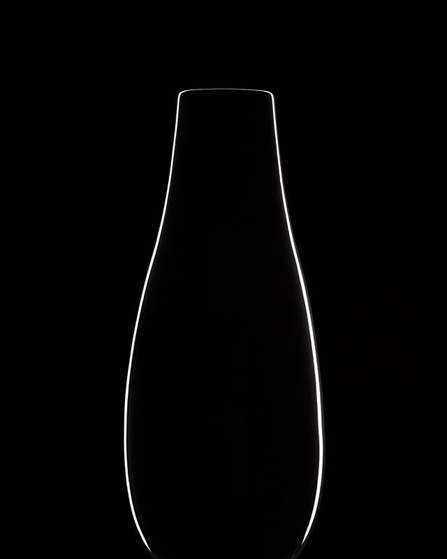 Dark Field Illumination - Vases #photography #canon6d #darkfieldillumination #minimalism