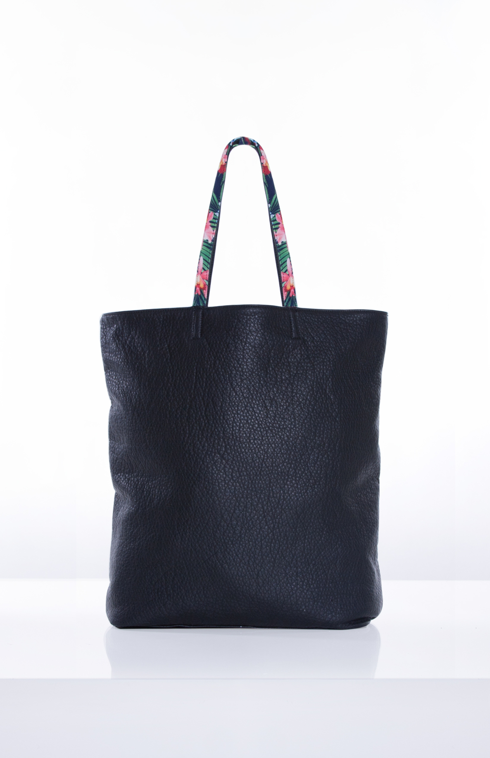 REVERSIBLE TOTE- Printed Neoprene + Pebbled Black PU