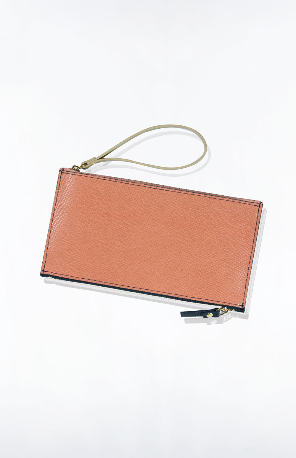ASHLYN TRAVEL WRISTLET