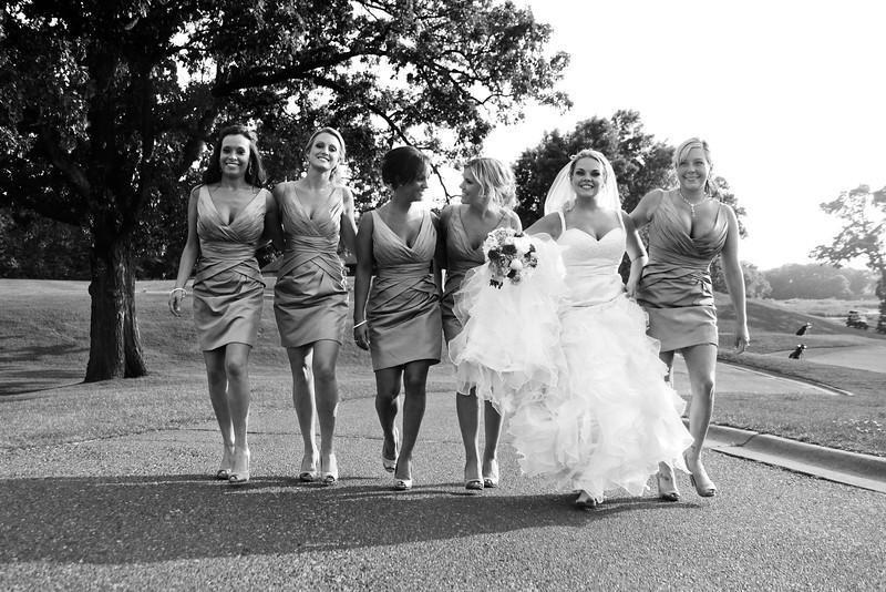 girlswalking_bw-L.jpg