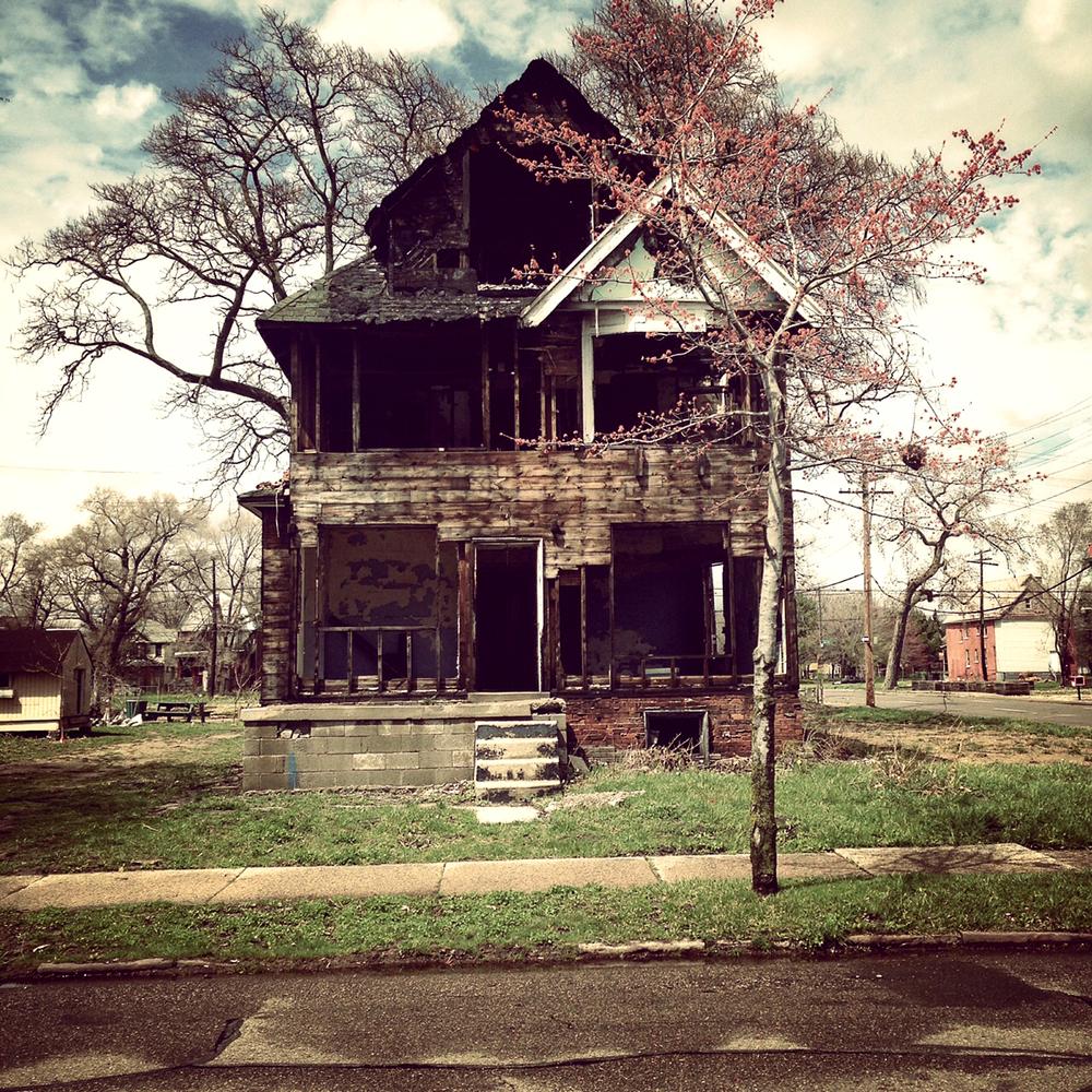 Detroit har krympt demografiskt och ekonomiskt under lång tid. Vissa områden ska överges, det innebär att vatten, el och annan infrastruktur i förlängningen stängs av.