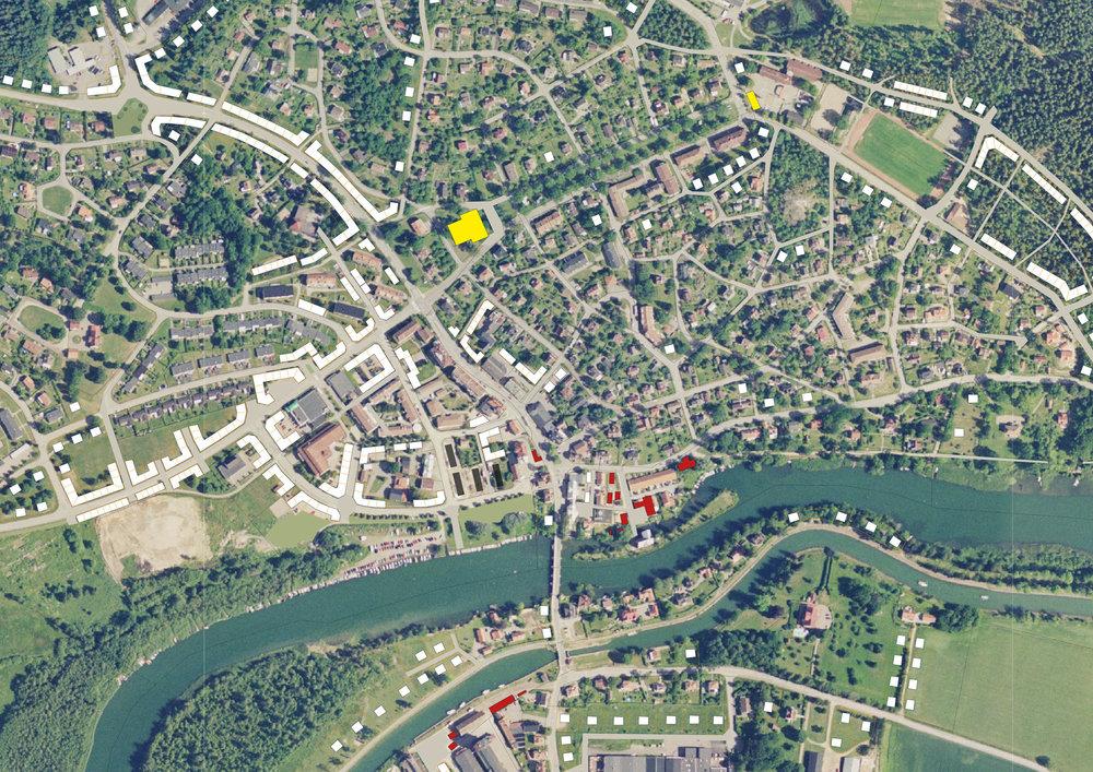 Förtätningsförslag för Borensberg. Illustration av Lukas Memborn, praktikant hos Motala kommun 2009. De vita rutorna visar förtätningsmöjligheter.