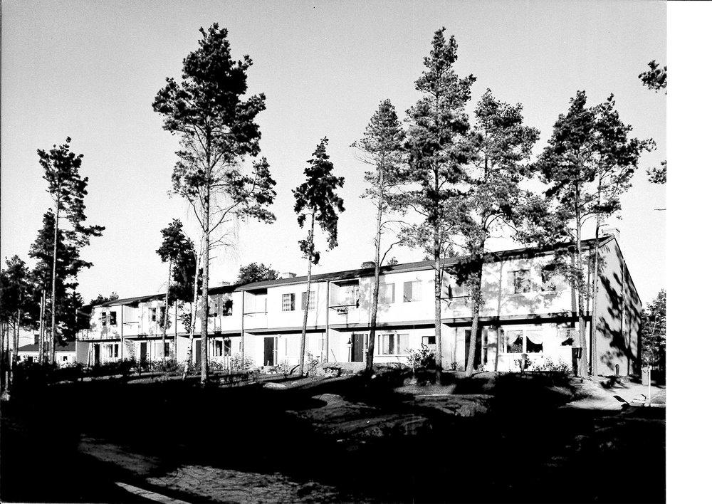 Området Hässelby X färdigställt 1956. Fotograf okänd, från Origo-arkivet.