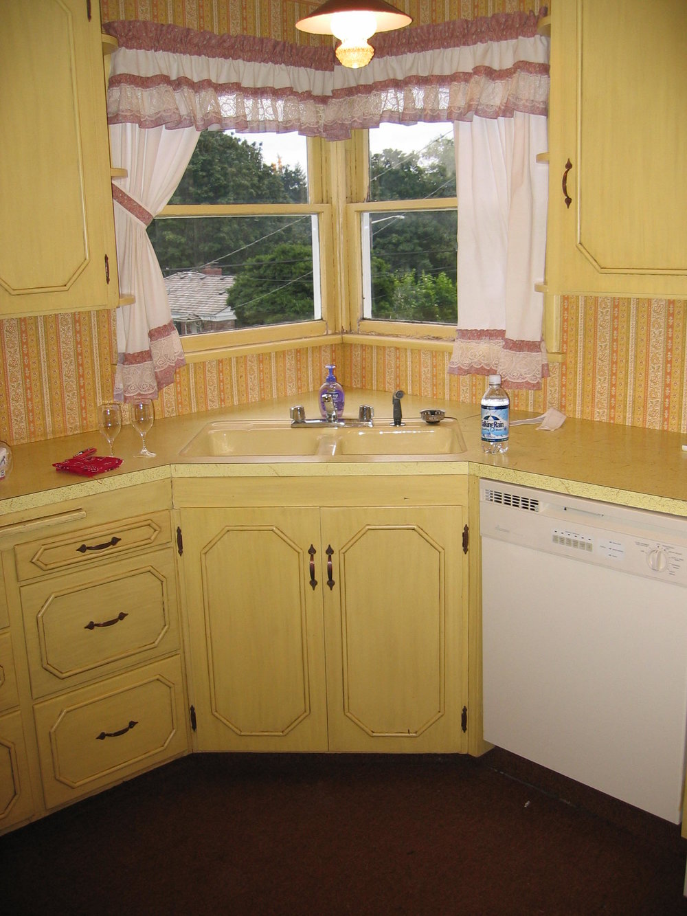 The Kitchen when we moved in in 2004