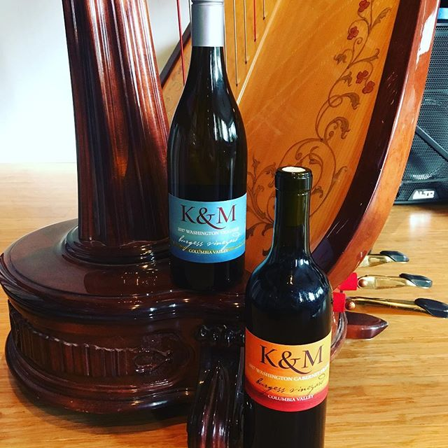 Looking forward to playing at K&M Wines in Carlton this Saturday! Did I mention I help make their wine? 😉🍷#harpmusic #willamettevalley #oregonwine #carltonoregon #valentinewine #rosewine