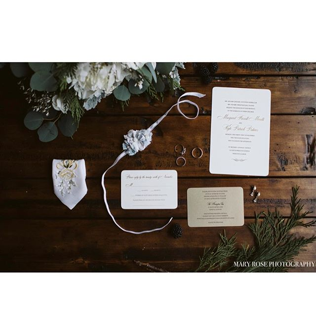 We love when our clients share their wedding photos with us!! Maggie and Kyle had the most magical winter wedding❄️🌲😍 Cheers to this fabulous couple! . . . . #chicagowedding #winterwedding #chicagoinvitations #sassnclasshinsdale #weddinginvitations
