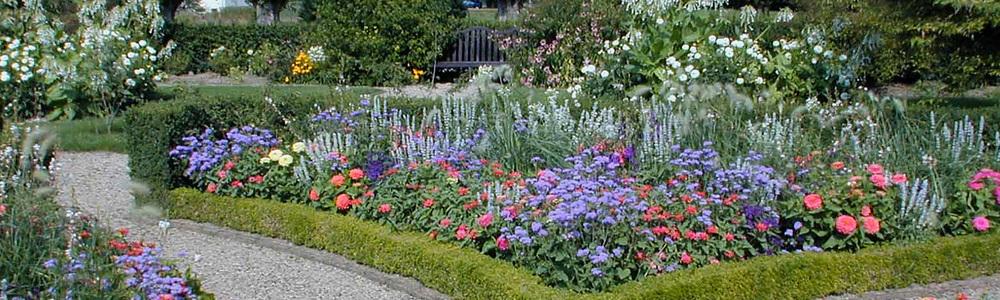 MUSEUM_SliderImages_Gardens1_1500x450.jpg