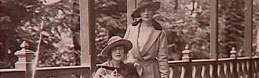 TravelExhibitSlider_Anne&Anne.jpg
