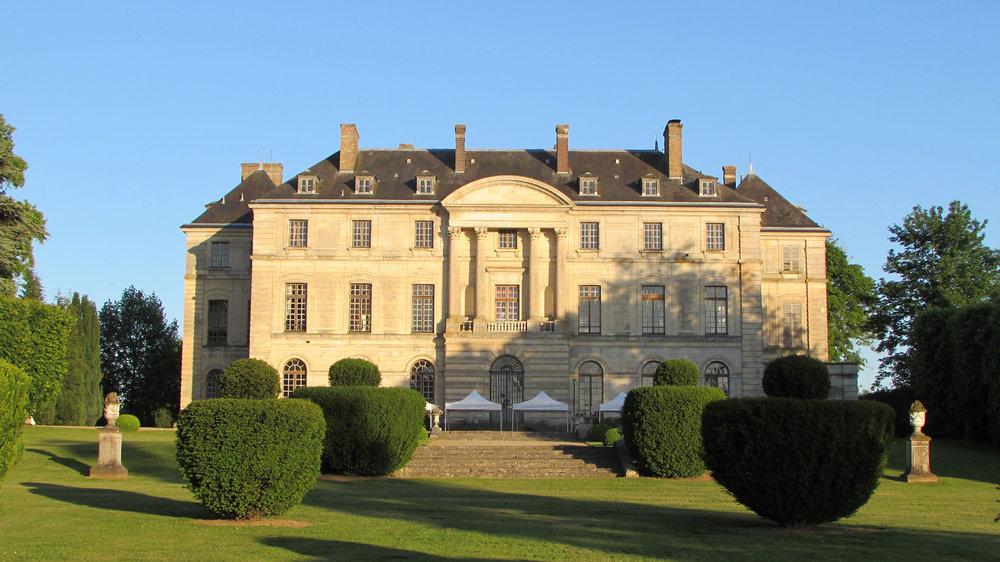 Chateau-Montgobert-façade1.jpg