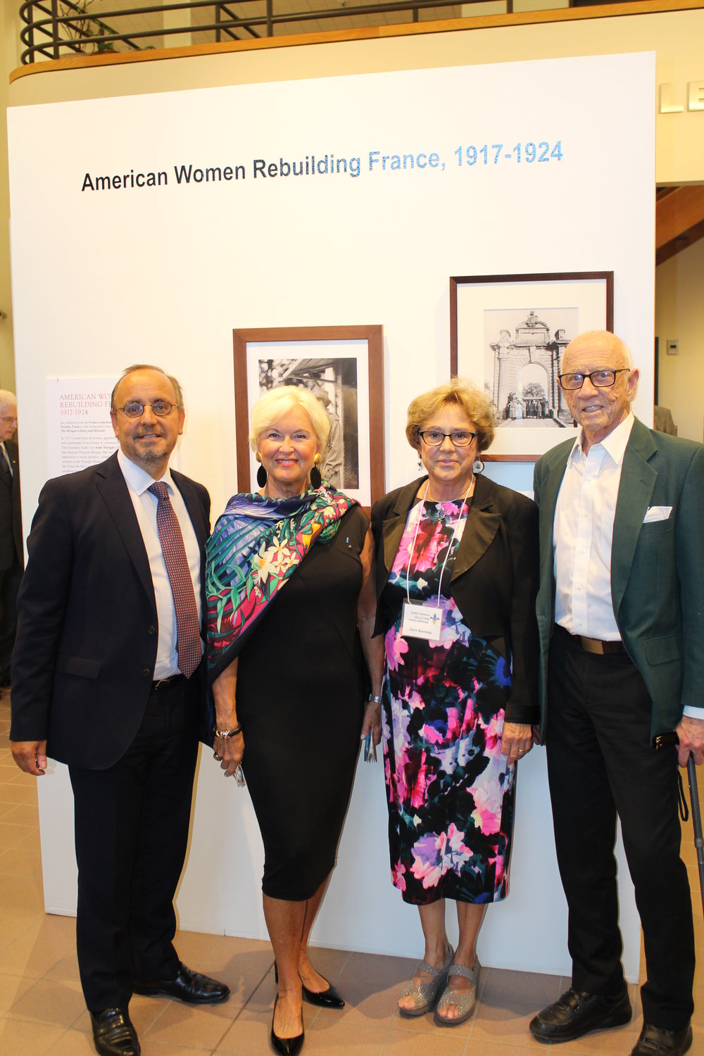 AWRF_USM-OpeningReception_Aug2017_8.jpg