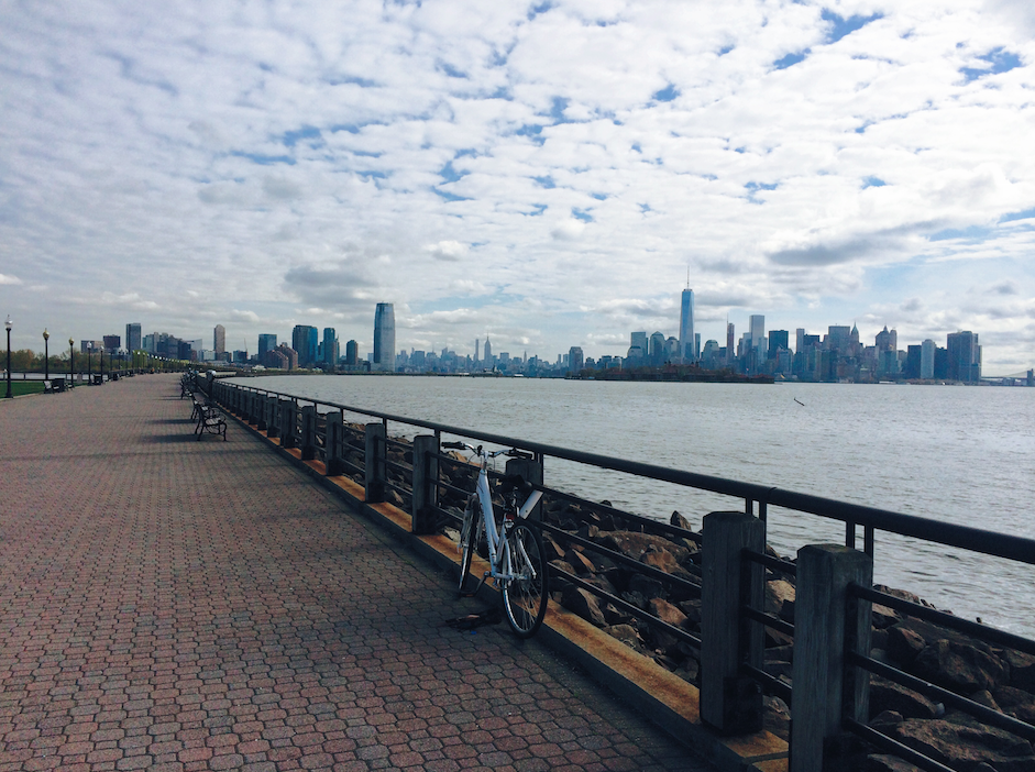 Hudson River Waterfront Walkway overlooking One World Trade Center