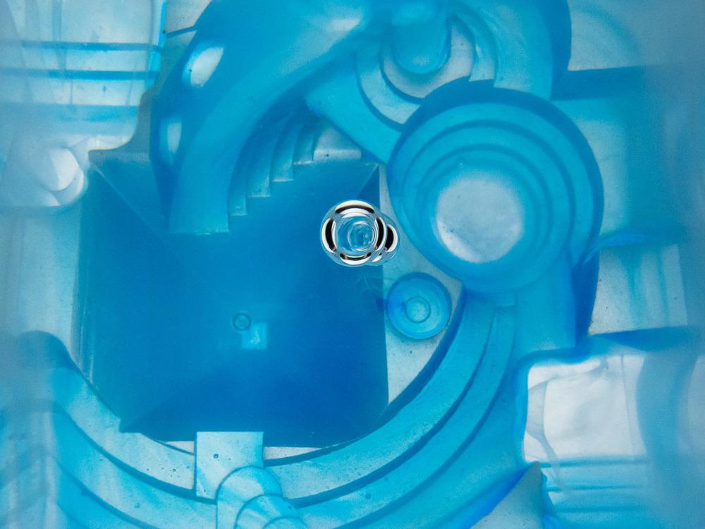 bluecube1_012_WEB.jpg