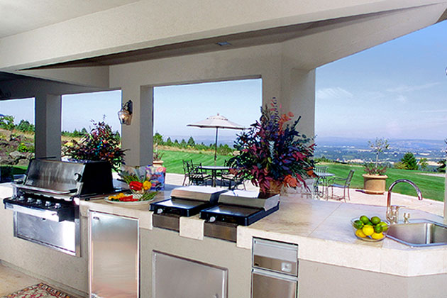 Eat your heart out in this amazing, all-seasons outdoor kitchen. Photo courtesy of Brock Design Group.