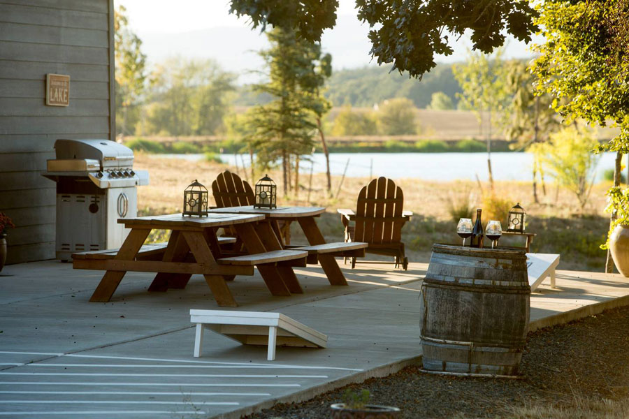 Vineyard Living in 10 Luxurious Airbnb's | Sommi's Wine Travel Guide: Willamette Valley