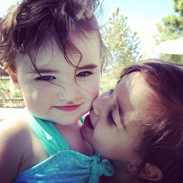 #marloweautumn #audreymae #bestfriendsforever #cousinlove #bathingbeauty #summertimeinseptember @rammrod @melmelramirez