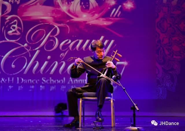 還有先前介紹過的重量級嘉賓——陳俊華、山翀、季節,從北京趕來為觀眾們獻上精彩的表演。