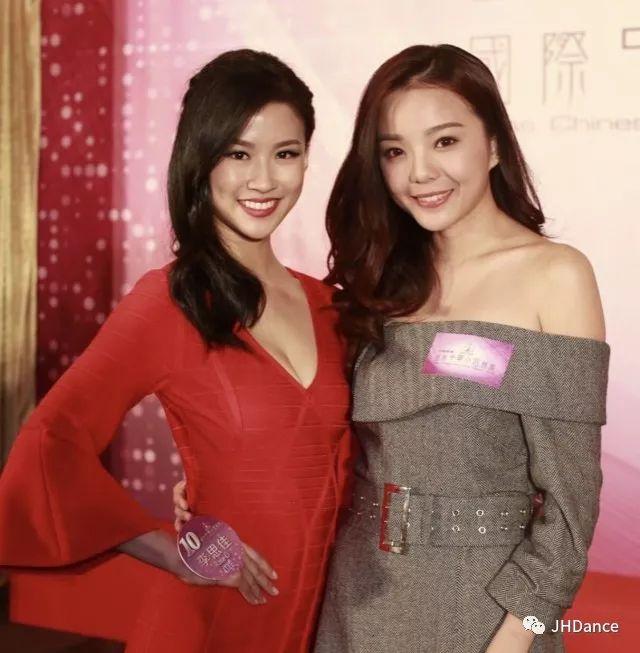2017年的國際中華小姐冠軍余思霆力挺李思佳,看好她奪冠