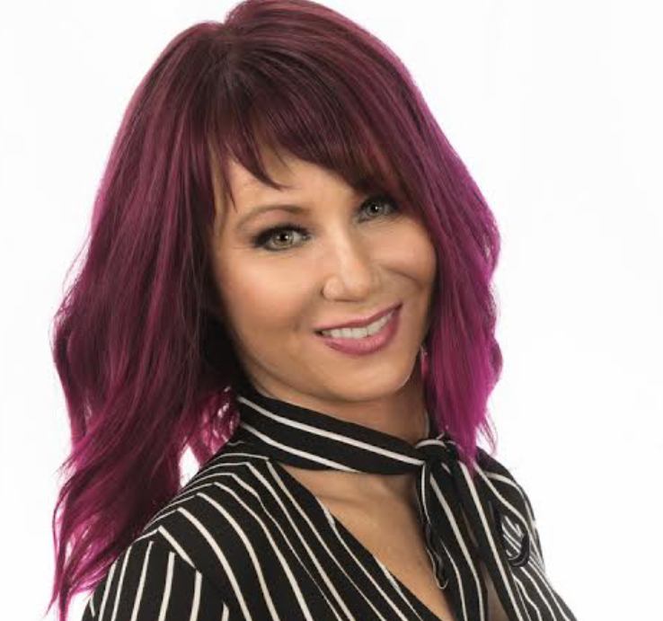 Liz Grant changed her hair color to confuse men