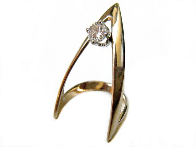 gemgossipjewelry.com