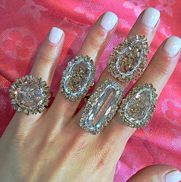 18k gold rings from the Vitrine Fireworks collection and the Vitrine Starburst collection.
