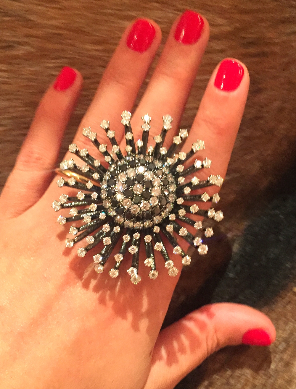 Another great convertible piece. A pin and a ring in one!